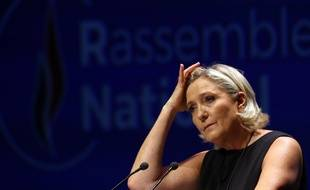 Marine Le Pen se gratte la tête: Qui pour conduire la liste RN?
