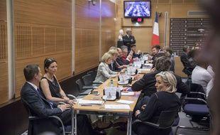 La commission d'enquête réunie à l'Assemblée dans le cadre de l'affaire Benalla.