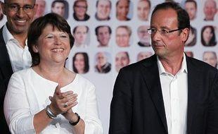 Martine Aubry et François Hollande lors de l'Université d'été du Parti socialiste à La Rochelle, le 28 août 2011.