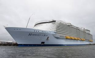 L'Harmony of the seas, lors d'un essai en mer, le 14 avril 2016.