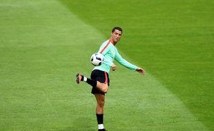 L'attaquant du Portugal Cristiano Ronaldo à Marcoussis, le 17 juin 2016.