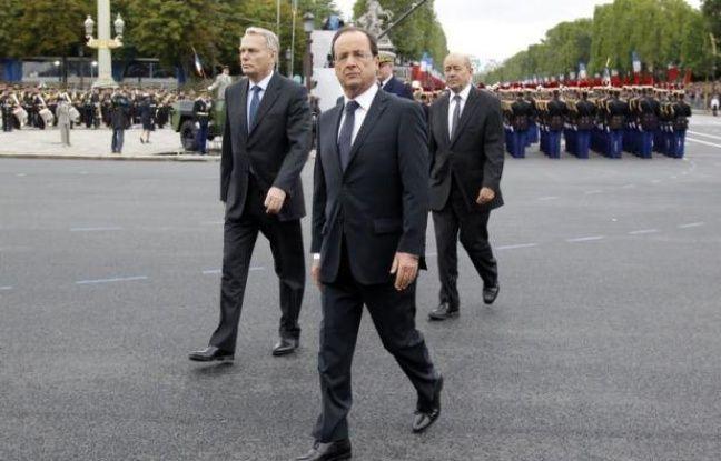 Les pays africains doivent déterminer quand et comment intervenir militairement dans le nord du Mali contrôlé par des groupes armés islamistes, a estimé samedi le président François Hollande alors que la crise malienne est à l'ordre du jour d'un sommet de l'Union africaine.