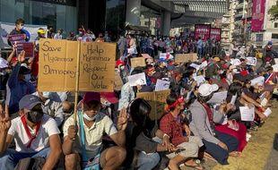 Depuis des jours, les manifestations s'enchainent en Birmanie contre le putsch militaire.