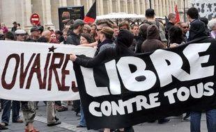 Une manifestation nationale pour défendre le droit à l'avortement et l'hôpital public est organisée samedi à Paris et rejoindra celle de l'intersyndicale contre la réforme des retraites, ont annoncé vendredi les initiateurs.