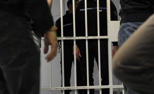 Les sénateurs veulent créer une nouvelle mesure judiciaire pour surveiller les personnes condamnées pour terrorisme qui sortent de prison.