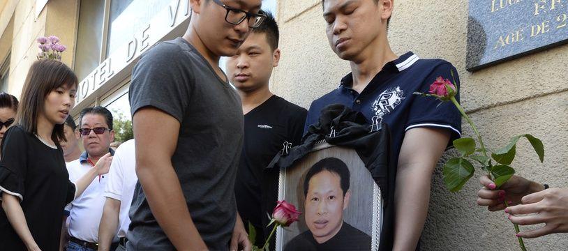 Des proches et des membres de la famille rendent hommage à Zhang Chaolin