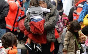 Des familles de migrants à leur arrivée le 6 septembre 2015 à la gare de Munich en Allemagne