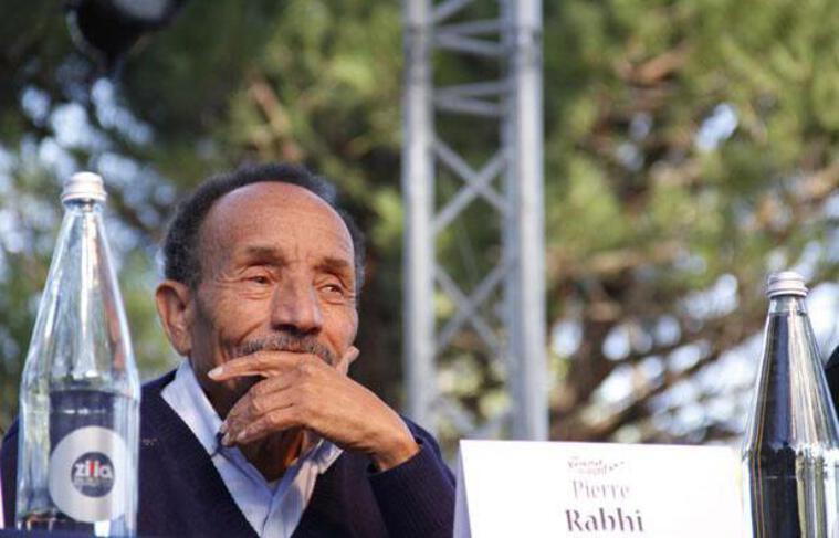 Pierre Rabhi, pendant l'une de ses nombreuses conférences.