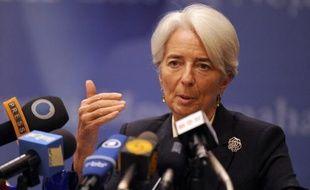 """La directrice générale du Fonds monétaire international Christine Lagarde a salué lundi l'accord franco-allemand en vue d'un nouveau traité européen, estimant toutefois qu'il ne serait """"pas en soi suffisant"""" face à une situation économique """"extrêmement grave""""."""