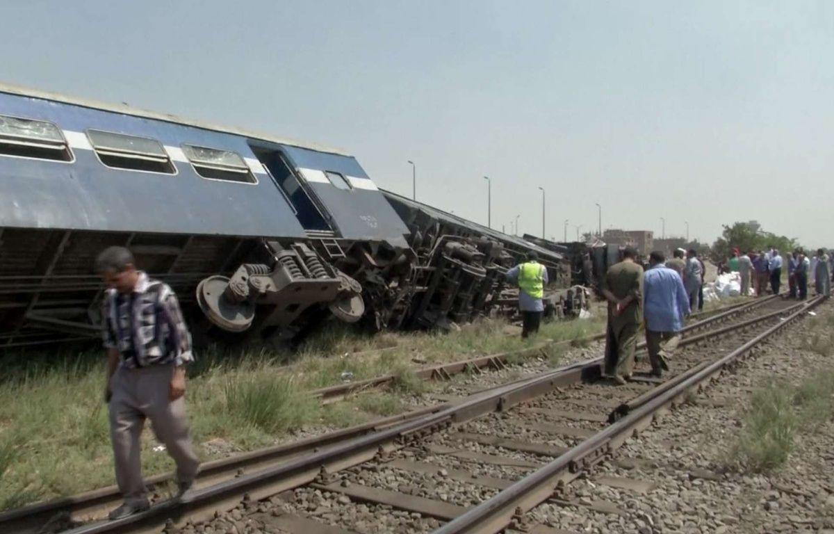 Les accidents de train sont récurrents en Egypte. En septembre 2016, un train (photo) avait déraillé à 50km au sud du Caire. Cinq personnes avaient été tuées.  –  Mohamed Wagdy/AP/SIPA
