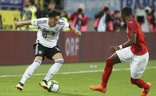 Mesut Ozil et l'Allemagne commencent leur Mondial contre le Mexique.
