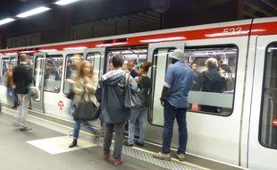 Une Lyonnaise agressée à l'entrée du métro pour ne pas avoir voulu laisser passer un client qui voulait frauder