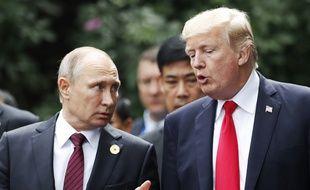 Donald Trump et Vladimir Poutine, le 11 novembre 2017 à Danang au Vietnam.