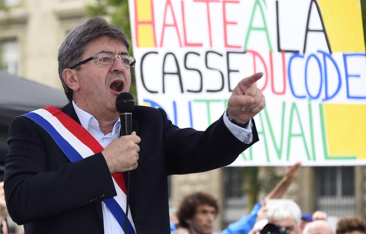 Jean-Luc Mélenchon, le leader de La France insoumise, manifeste contre la réforme du Code du travail, le 12 juillet 2017 à Paris. – bertrand GUAY / AFP
