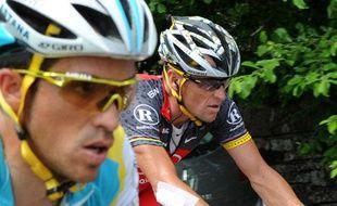 Alberto Contador et Lance Armstrong côte à côte lors du Tour de France 2010.
