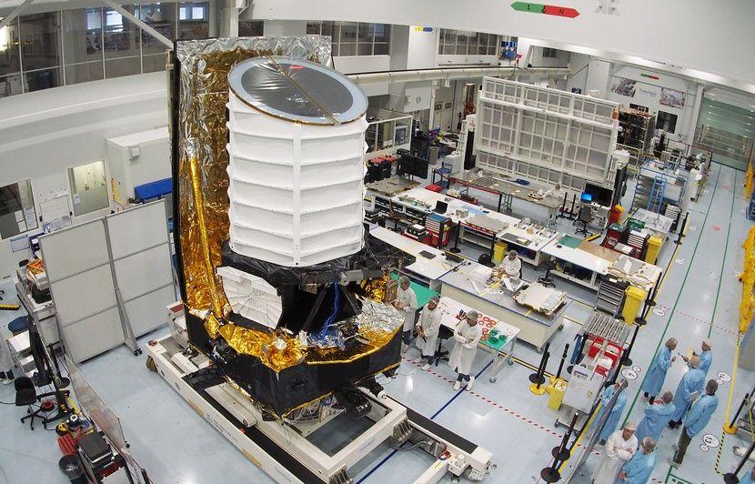 Cannes: Le puissant télescope Euclid bientôt sur les traces de l'énergie noire