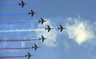 Les jets de la Patrouille de France en pleine démonstration au salon du Bourget, le 19 juin 2015