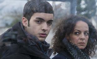 Alika Del Sol et Samir Daoudi dans le téléfilm Prêtes à tout, sur France 2