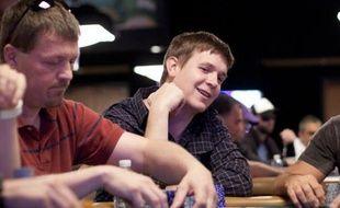 "Richard Lyndaker a perdu près de 900.000 dollars cette année en jouant au poker ""high stakes"" en ligne"