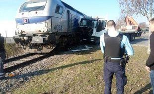 Un camion a percuté un train le 15 décembre 2016 à Castelnau-d'Estrétefonds, dans la Haute-Garonne.