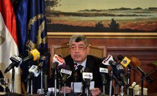 Les autorités égyptiennes ont annoncé samedi l'arrestation de trois membres d'une cellule liée à Al-Qaïda qui préparaient une attaque suicide contre une ambassade occidentale et d'autres cibles en Egypte.