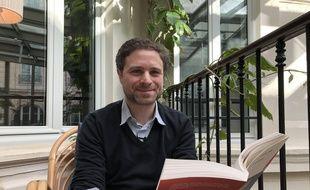 Jérémie Szpirglas publie Pater Dolorosa, un témoignage de son expérience de l'interruption médicale de grossesse, sujet douloureux et tabou.