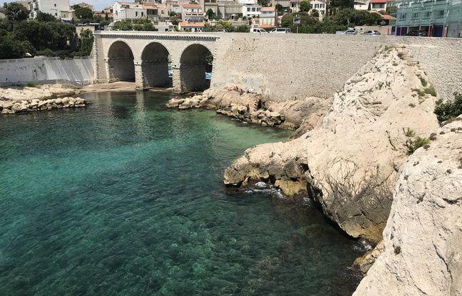 Le pont de l'anse de la fausse monnaie où un ado s'est blessé à la fin du mois de juin.