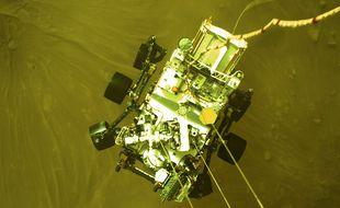 Le rover Mars Perseverance lors de sa descente vers Mars, image fournie le 22 fevrier 2021.