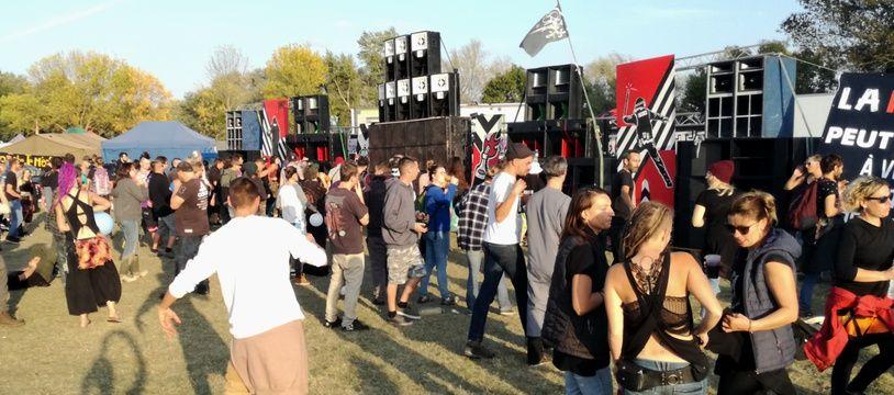 Teknival organisé Prairie de Mauves, entre Nantes et Sainte-Luce-sur-Loire, le 12 octobre 2019.
