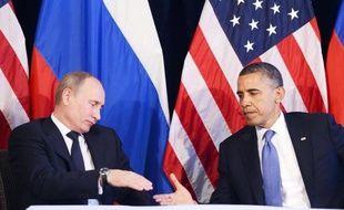"""L'armée syrienne a pilonné lundi plusieurs villes des régions de Homs (centre) et de Damas, tandis que le président américain Barack Obama et son homologue russe Vladimir Poutine ont appeléensemble malgré leurs divisions sur la crise en Syrie, à un """"arrêt immédiat des violences""""."""
