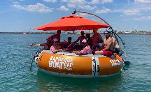 Barbecue Boat propose d'aller faire des grillades dans le port du Cap d'Agde