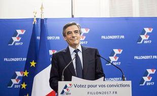 François Fillon est en tête du premier tour de la primaire de la droite et du centre, le 20 novembre 2016.