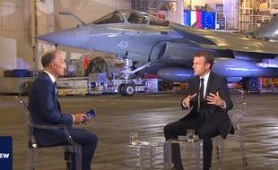 Emmanuel Macron, interviewé par Gilles Bouleau sur le porte-avions Charles de Gaulle, le 14 novembre 2018.