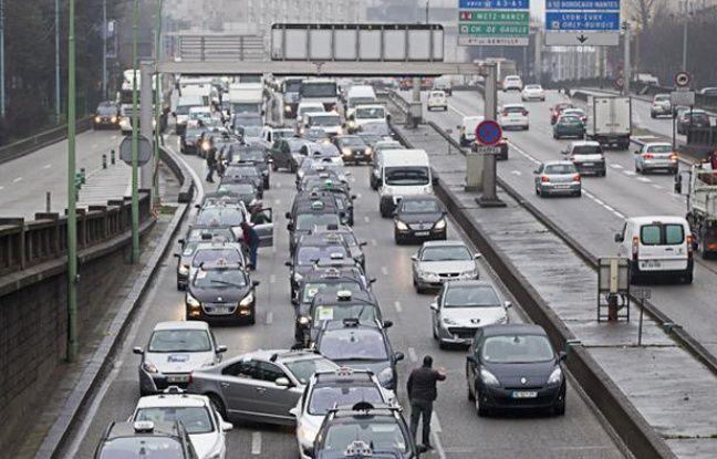 Manifestation à Paris des taxis le 10 janvier 2013.