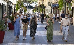 Le port du masque obligatoire dans les rues de nombreuses villes françaises suffira-t-il à empêcher une reprise épidémique du coronavirus?