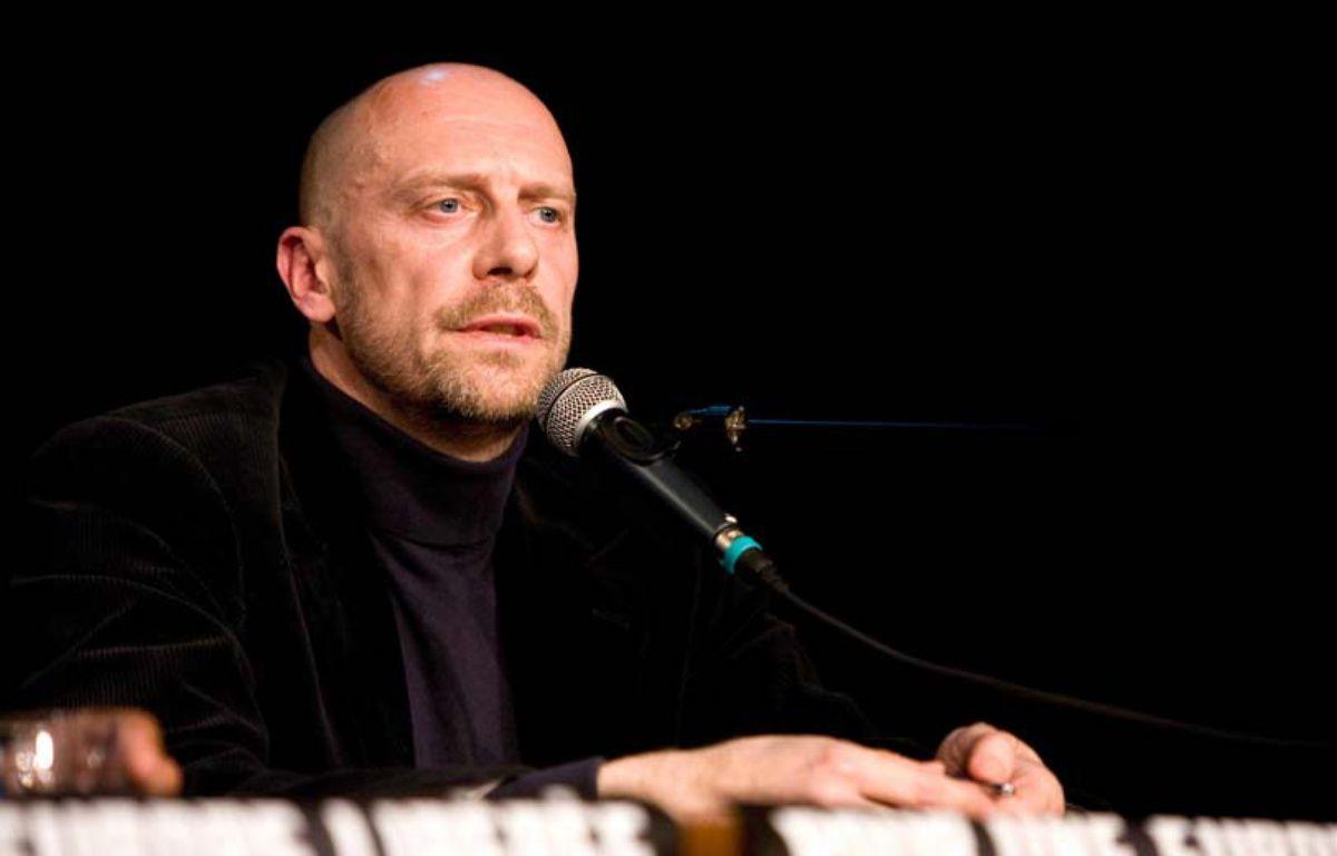 L'essayiste d'extrême-droite alain Soral pendant une conférence de presse – REVELLI-BEAUMONT/SIPA