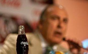 Le groupe américain Coca-Cola et ses embouteilleurs locaux ont annoncé mardi qu'ils comptaient investir 5 milliards de dollars en Inde d'ici 2020, soit 3 milliards de plus que prévu initialement, pour développer leur présence dans les boissons sans alcool.
