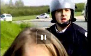Vidéo d'une manifestation lycéenne à Brie-Comte-Robert (Seine-et-Marne).