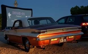 A Bordeaux, certains sont venus en Buick 1962 pour assister à la première du Drive-In Festival, le 16 mai 2020.