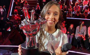 Rébecca a remporté la saison 7 de The Voice Kids, le 10 octobre 2020.