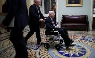John McCain au Capitole, à Washington, le 30 novembre 2017.