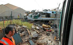 L'enquête devra déterminer pourquoi le camion-grue se trouvait sur le passage à niveau du chemin de la Passet (16e).