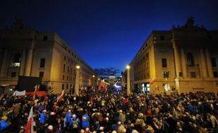 La foule se presse Via de la Conciliazione le 26 avril 2014 à Rome à à quelques heures de la cérémonie de canonisations