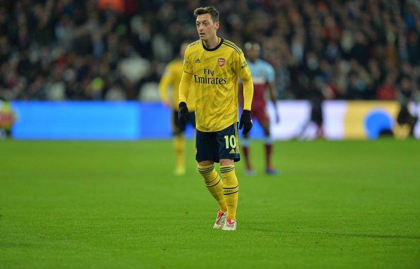 La TV d'Etat chinoise déprogramme un match d'Arsenal après un message d'Özil en soutien aux Ouïghours