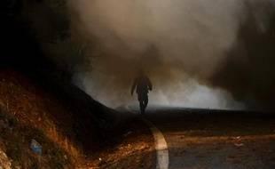 L'accalmie se poursuivait dimanche matin sur le front des incendies au Portugal, où les principaux feux de forêt ont été maîtrisés, mais les pompiers restaient en alerte en raison d'une météo défavorable, a indiqué la Protection civile.