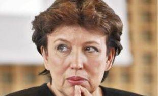 Roselyne Bachelot cumulerait retraite de parlementaire et salaire de ministre.
