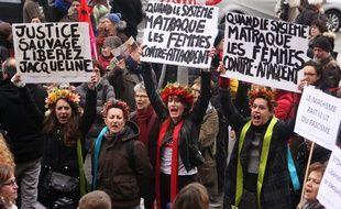Des manifestantes demandent la libération de Jacqueline Sauvage, le 23 janvier 2016 à Paris.