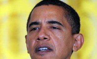 Le président Barack Obama envisage de proposer le secrétariat au Commerce au sénateur républicain Judd Gregg ce qui lui permettrait de faire nommer un nouveau sénateur démocrate à sa place, et d'atteindre la majorité anti-blocage de 60 sièges sur 100 à la chambre haute.