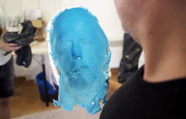 Les moulages sont faits à partir d'alginate qui permet de capter tous les détails d'un visage