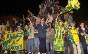 La folie s'empare du centre-ville de Nantes dans la nuit du 12 au 13 mai 2001.